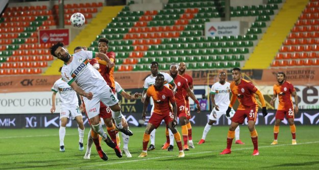Alanyaspor evinde Galatasaray'a mağlup oldu