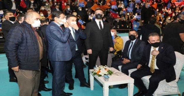 Başkan Yücel, İbrahim Ethem Taş'ı tebrik etti