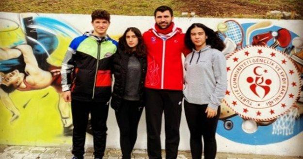 Eskrimcilerimiz milli takım kampına katıldı