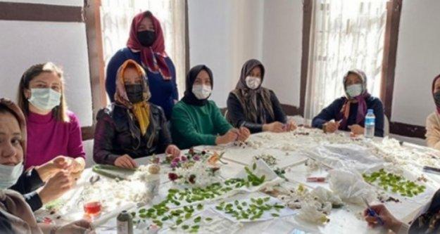 Gönüllü anneler Ahmet için üretiyor