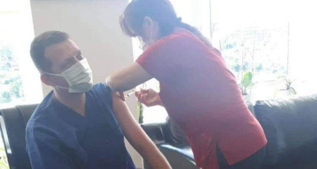Kaymakam Ürkmezer Covid-19 aşısı oldu