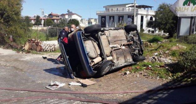 Kaza yapan otomobil önce devrildi, sonra alev aldı