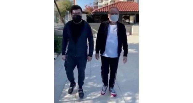 Korona virüsü yenen Başkan Böcek'in oğluyla sabah yürüyüşü