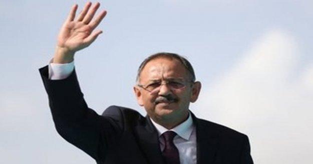 Özhaseki: 'CHP'de Deniz Baykal'dan sonra eksen kayması oldu'