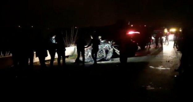 Taziyeye giden akrabaların otomobilleri çarpıştı: 6 ölü var