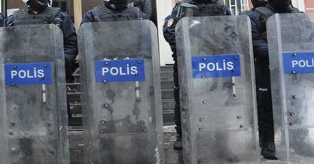 Yürüyüş, oturma eylemleri ve imza kampanyaları yasaklandı