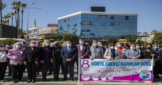 Alanya'da 8 Mart Dünya Emekçi Kadınlar Günü kutlandı