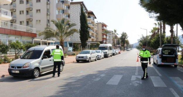 Alanya'da korona yasağına uymayanlara ceza yağdı