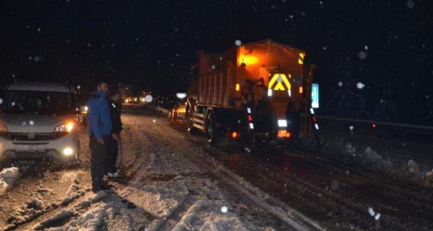 Alanya Konya karayolunda kar kalınlığı 20 santime ulaştı