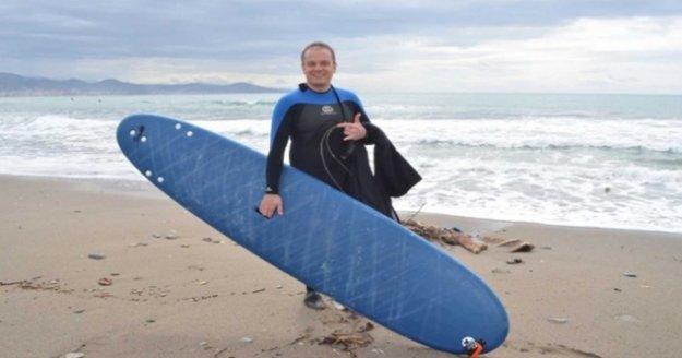 Alanya sahillerinde sörf keyfi