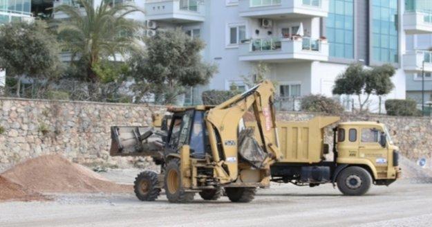 Alanya'da Hayri Doğan Caddesi asfalta kavuşuyor