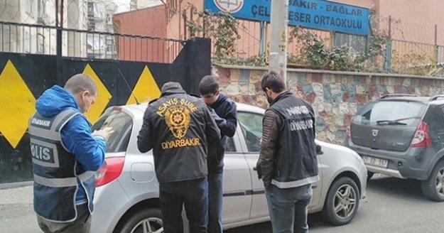Antalya'da 577 okulda 795 polisin katılımıyla denetim