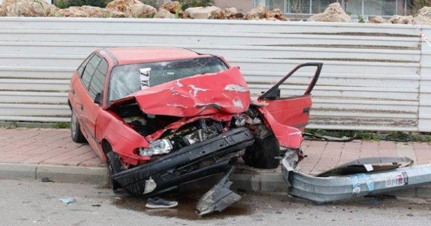 Antalya'da makas dehşeti: 1 ölü, 3 yaralı