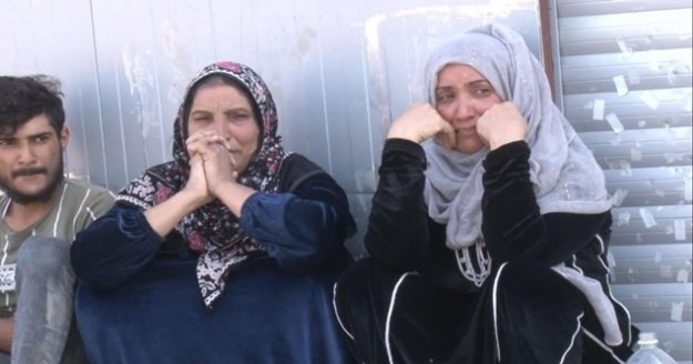 Antalya'da sera işçilerinin kaldığı barakalarda ağlatan yangın