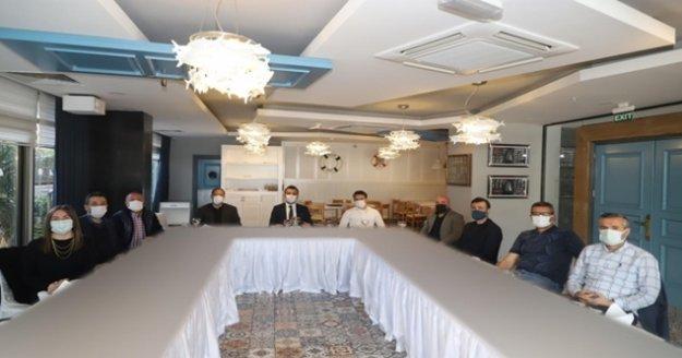 Başkan Toklu turizmcilerle toplandı