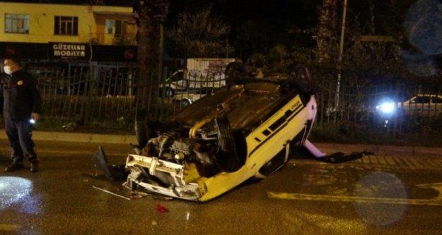 İki otomobile çarpan araç takla attı: 1 yaralı var