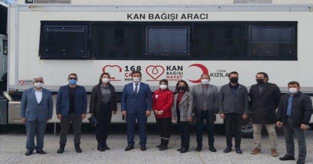 Müdür Yılmaz kan bağışına bulundu