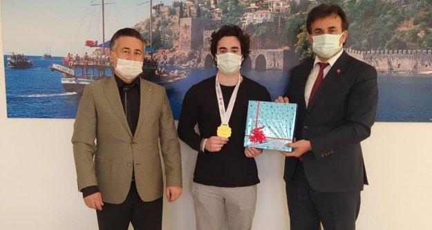 Türkiye birincisi olup Alanya'yı gururlandırdı