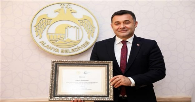 Alanya Belediyesi'ne büyük ödül Başkan Yücel'in erişebilir yerel yönetim hizmetleri taçlandırıldı