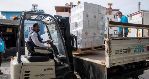 Alanya Belediyesi ramazan paketlerinin dağıtımına başladı