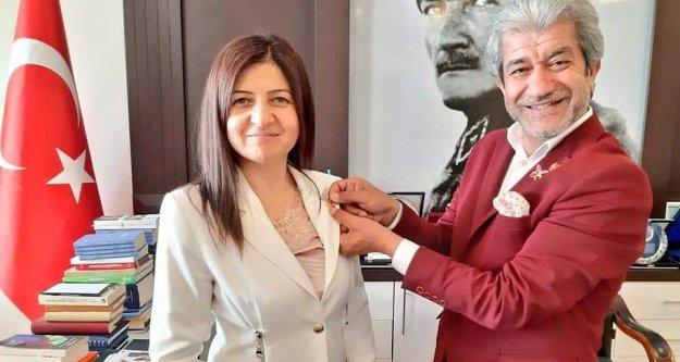 Alanyalı Dışişleri Bakan Çavuşoğlu'ndan Coşkun'a tebrik telefonu