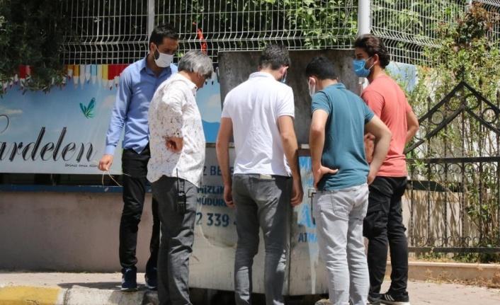 Antalya'da çöp konteynerinde cenin bulundu