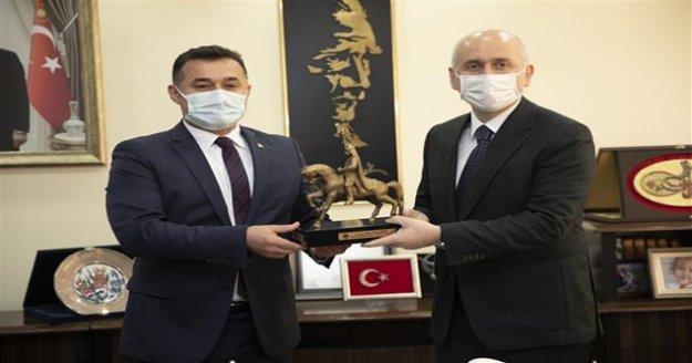 Bakan Karaismailoğlu Alanya Belediyesi'ni ziyaret etti