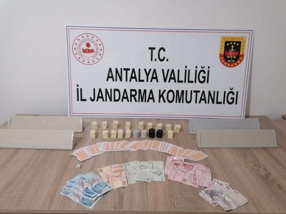 Jandarmadan uyuşturucu satıcılarına suçüstü