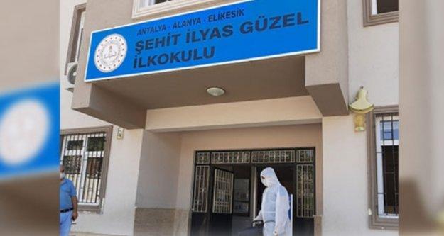 Korona Alanya'da yine okul kapattırdı