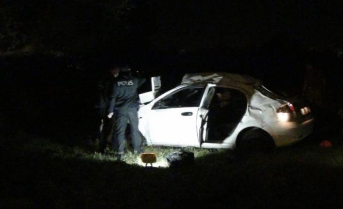 Otomobil şarampole yuvarlandı: 1 ölü, 4 yaralı var