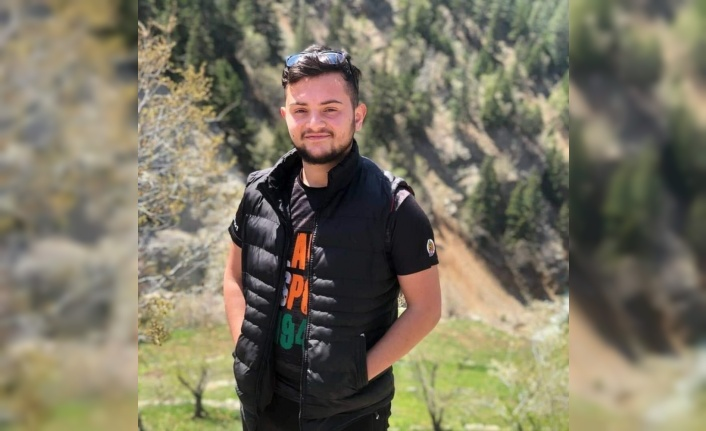 Alanya'da sulama tankerine çarpan motosikletli genç hayatını kaybetti