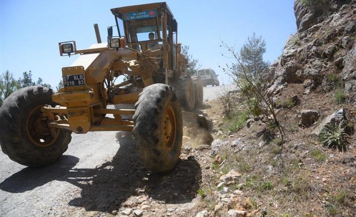 Başkan Yücel'den Koşdavut yolu'na asfalt müjdesi