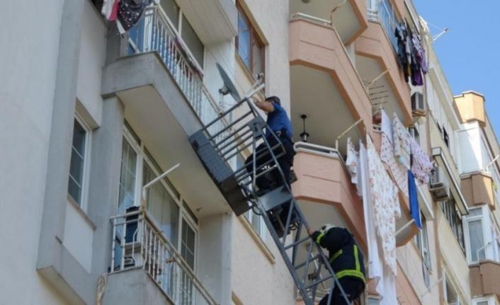 Emekli polis evinde ölü bulundu