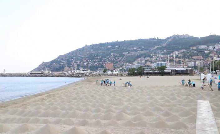 Galip Dere Halk Plajı sezona hazır