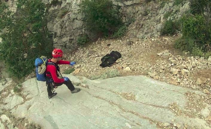 Kayıp dağcının cesedinin bulunma anları paylaşıldı