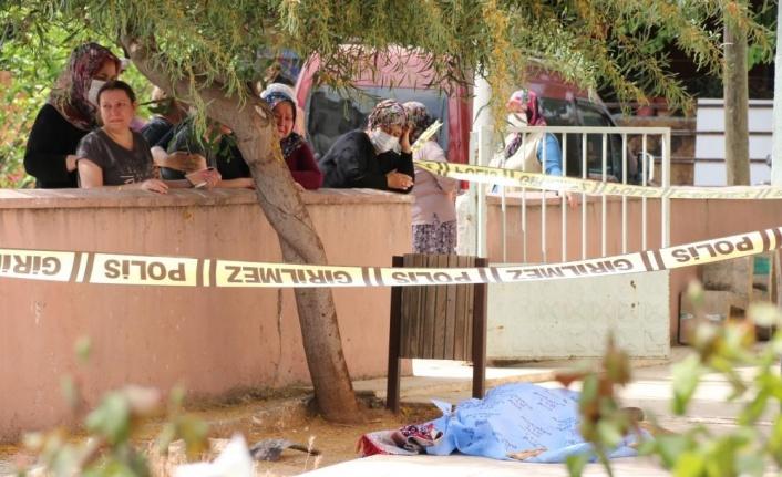 Ölüm gönüllü temizlik yaptığı caminin avlusunda yakaladı