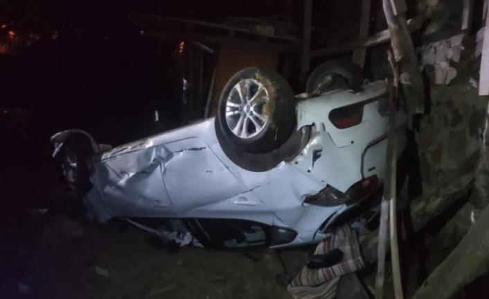 Yoldan çıkan otomobil takla attı: 1 ölü, 2 yaralı var