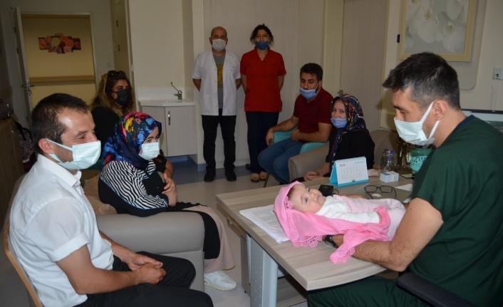 Alanya'da aşılama yoluyla bebek sahibi olanlardan hastaneye ziyaret