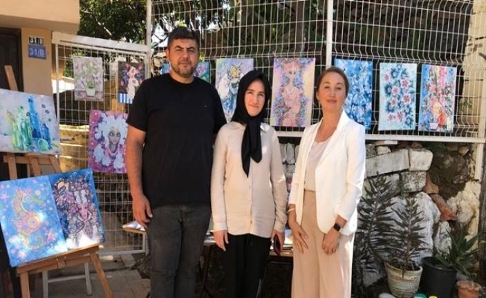 Alanya'da Ruslar Ahmet bebek için sergi düzenledi