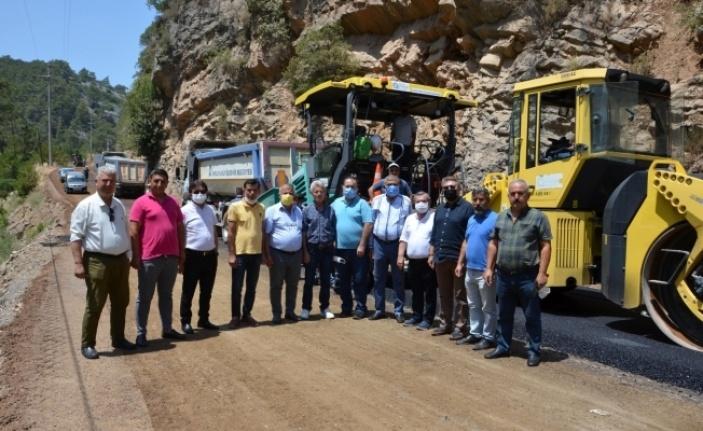 Alanya Demirtaş-Sapadere grup yolu asfaltlanıyor