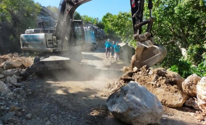 Alanya Söğüt Yaylası ve Çamlıca grup yolunda asfalt çalışması