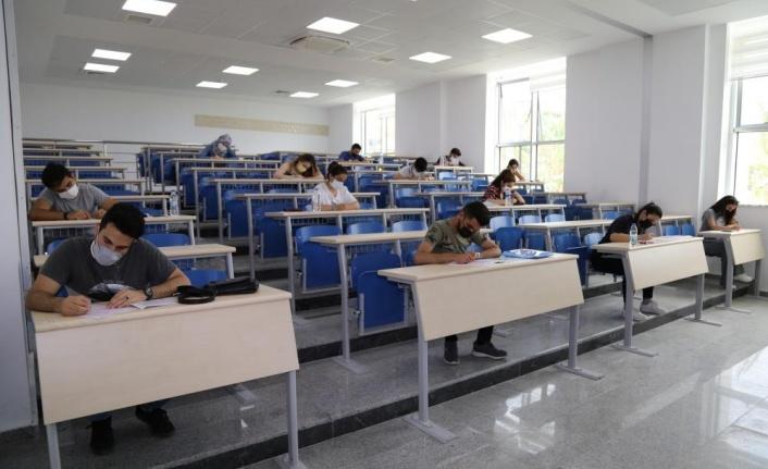 ALKÜ YÖS sınavı 9 merkezde başarıyla yapıldı