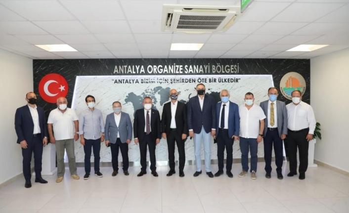 Başkan Böcek OSB Başkanı Ali Bahar'la bir araya geldi