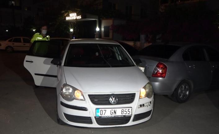 Kısıtlama saatinde polisi peşine taktı; 2 araca çarpıp yakalandı
