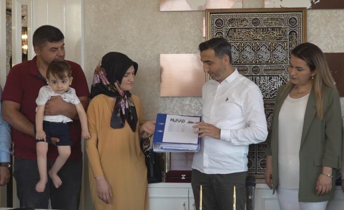 MÜSİAD Ahmet için 1 Milyon 50 bin liralık dekontu teslim etti