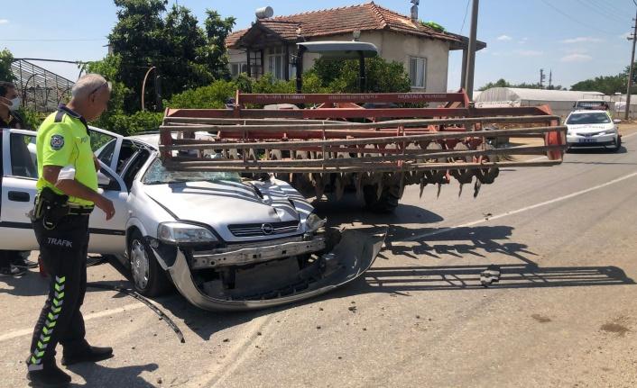 Traktöre takılı zirai alete çarpan sürücü hayatını kaybetti
