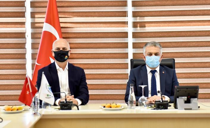 Vali Yazıcı Antalya OSB firmalarını ziyaret etti