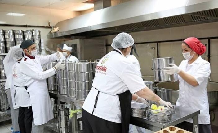 Alanya'da ilk 5 ayda 50 bin yemek
