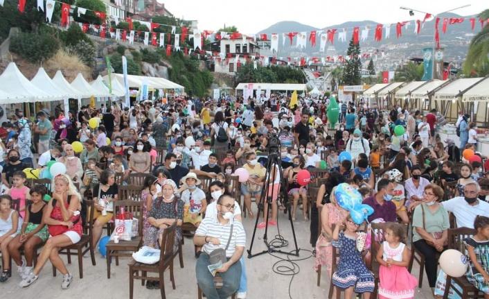 Alanya Uluslararası Çocuk Festivali devam ediyor