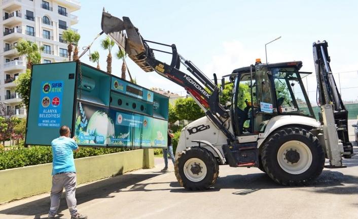 Alanya'da mobil atık getirme merkezlerinin kurulumu devam ediyor